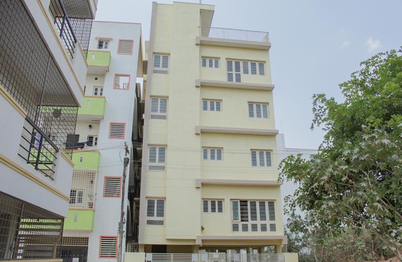 2 BHK Semi Furnished Flat for rent in Singasandra for ?20000, Bangalore