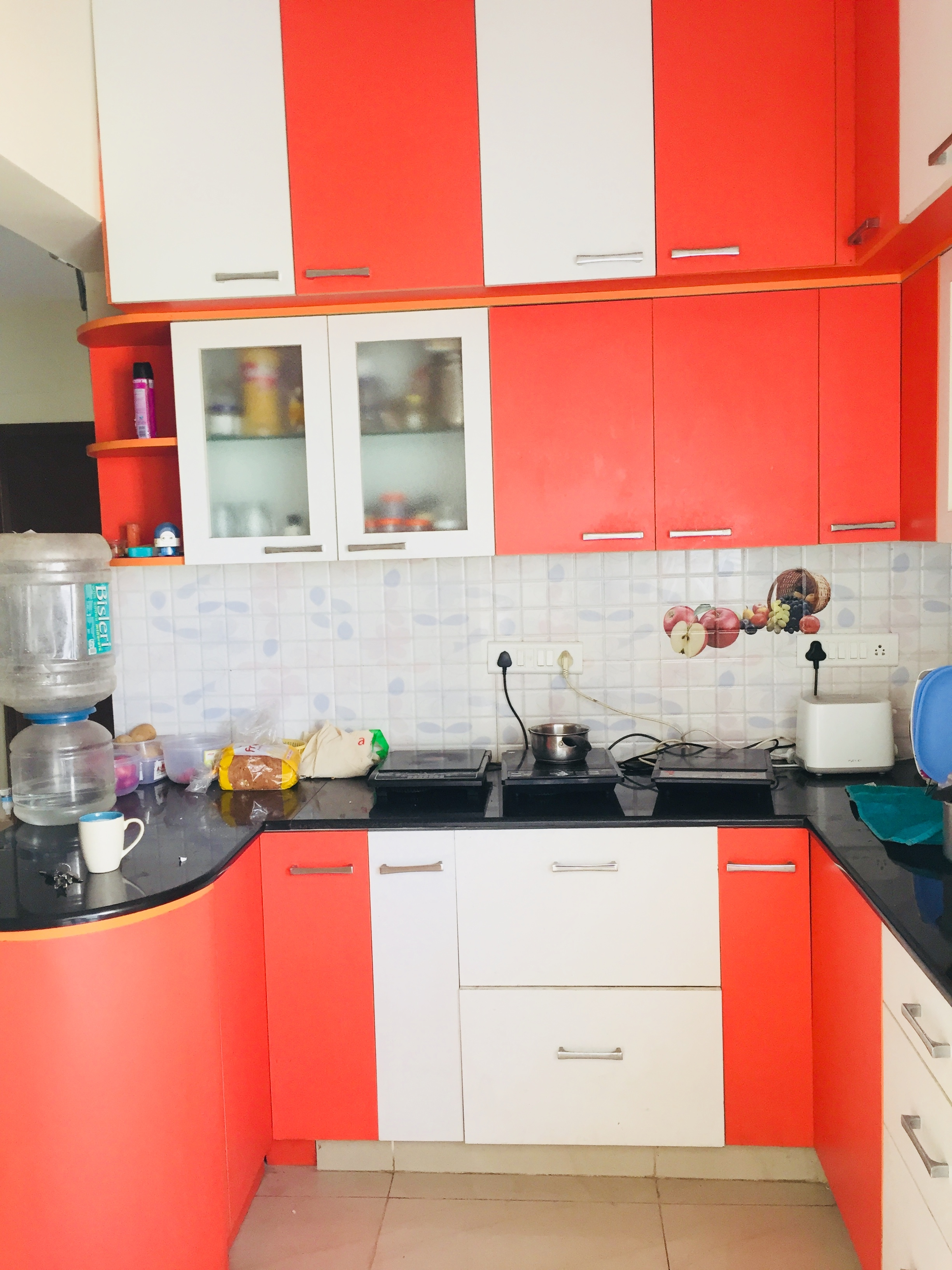 1 room available in 2bhk apartment single or sharing basis