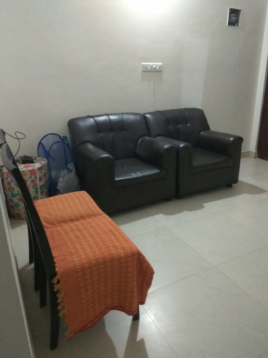 Looking for a single female flatmate preferably northindian