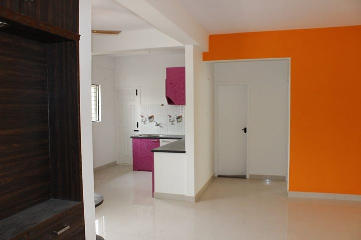 One Room in 3BHK Flat for 1st March onwards! at kalyan nagar.