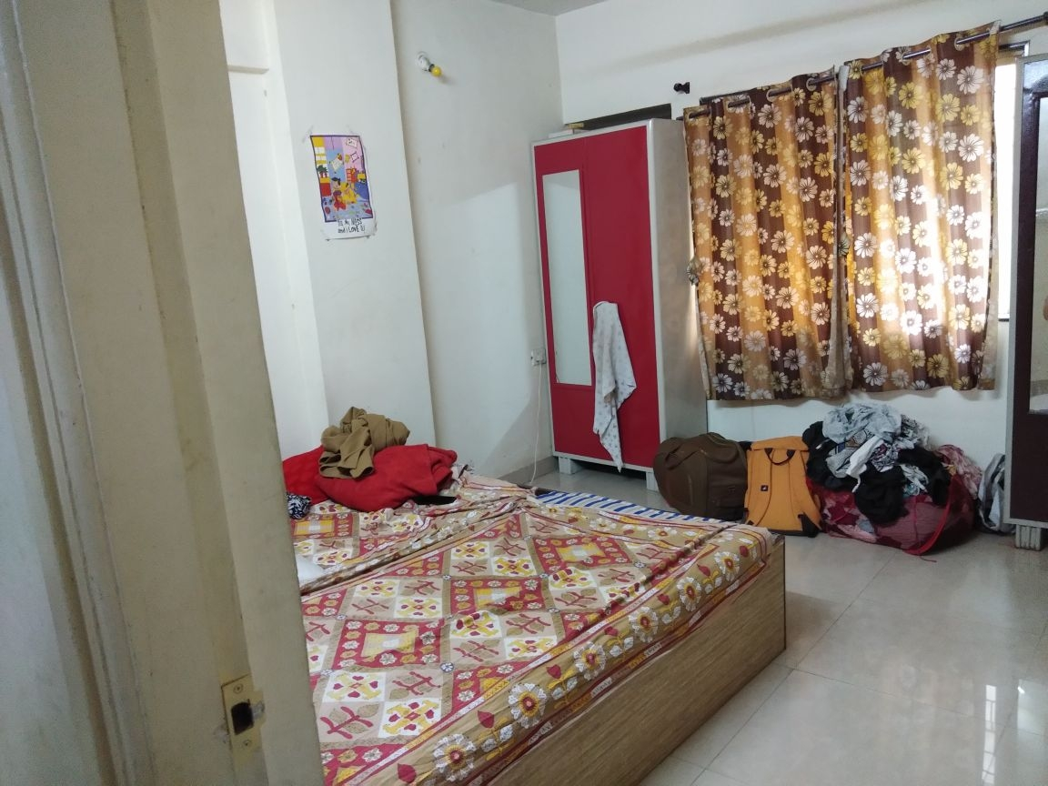 Need a female roommate on sharing basis immediately.