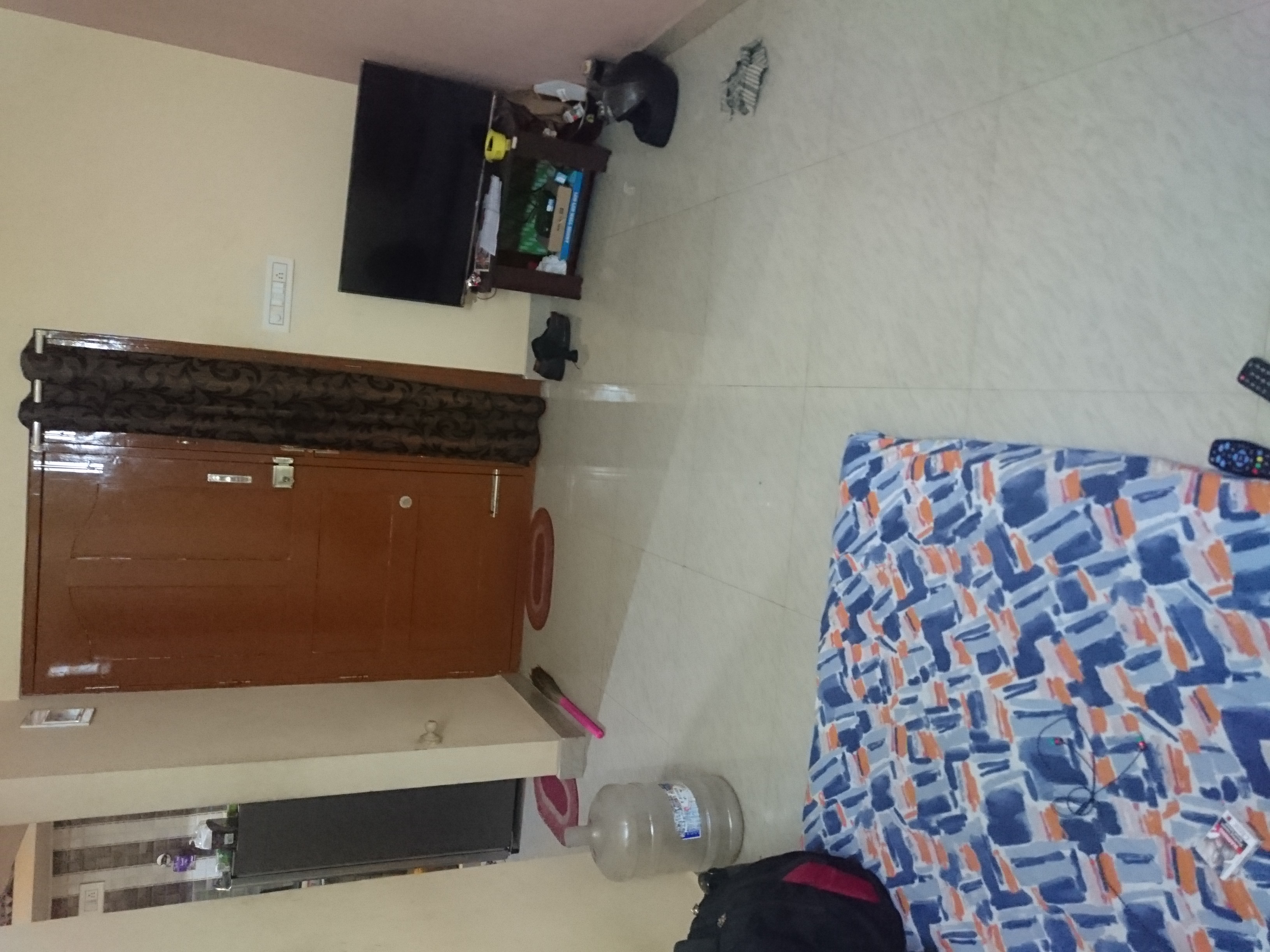 1Room in a 2BHK